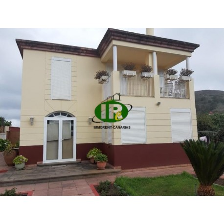 Large house about 240 square meters on several floors and with about 1100 sqm of land in a northeasterly direction - 27