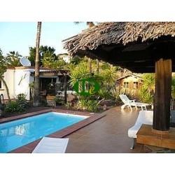 Дом с частным бассейном, 3 спальнями и 3 ванными - 6