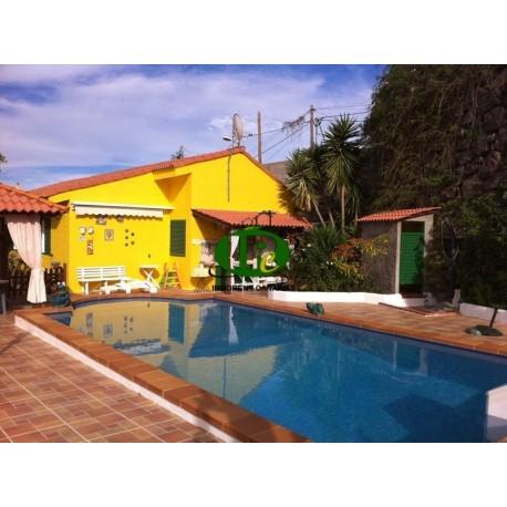 Очень красивый дом с 3 спальнями и 2 ванными комнатами на 133 квадратных метра и частным бассейном. - 1