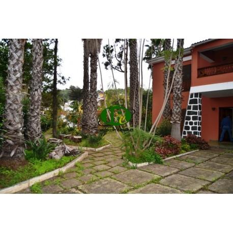 Groot vrijstaand huis met 2 woningen, gebouwd in 1976 met 4 slaapkamers en 3 badkamers in Santa Brigida - 1