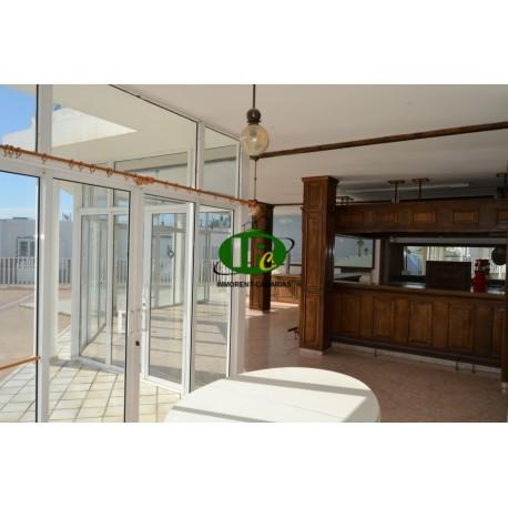 Te huur restaurant op 200 vierkante meter met terrassen bij het zwembad in een prachtige omgeving. - 2