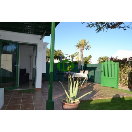 Bungalow in a quiet area with large terraces and garden area. Sun guaranteed all day - 7