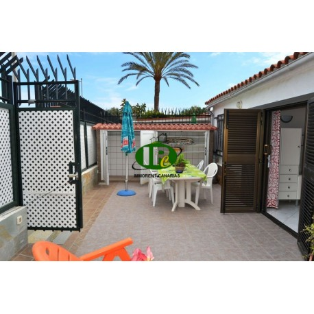 2 bedroom bungalow in a popular location in the heart of Playa del Ingles, on a side street