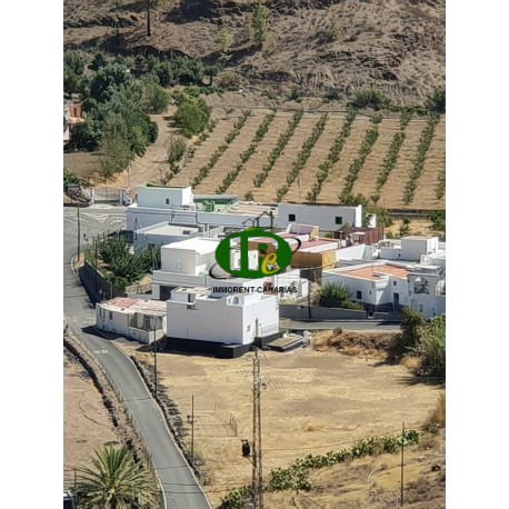 Frei stehendes Haus in kleinem Ort, zentral in den Bergen gelegen - 1
