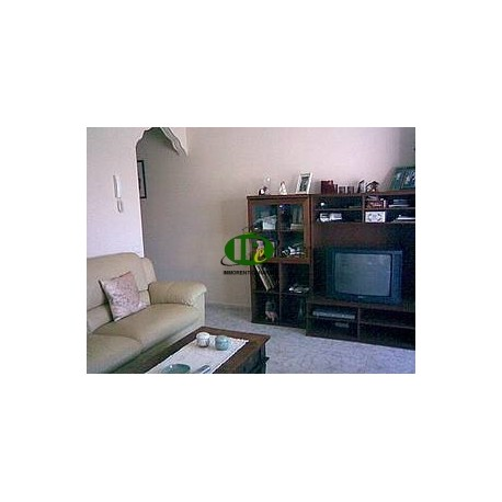 Apartment with 2 bedrooms and 1 bathroom on the 2nd floor - 1