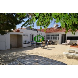 Bungalow in a quiet complex with a total of only 3 residential units