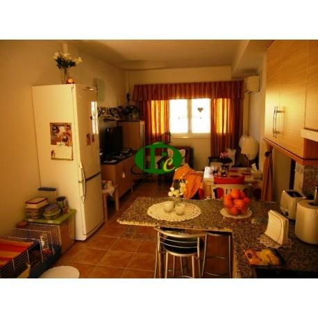 Muy bonito apartamento con terraza y 2 habitaciones en alquiler