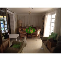 Corner terraced house, almost detached with 4 bedrooms and 3 bathrooms for sale in Sonnenland
