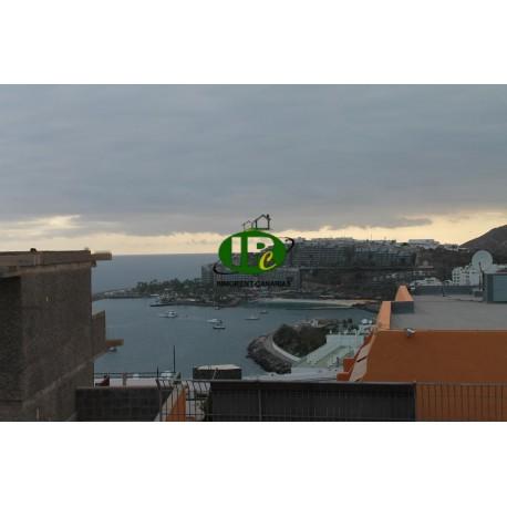 2 dormitorios con balcón y vistas al mar