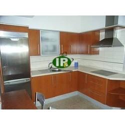 Appartement met 4 slaapkamers en 2 badkamers