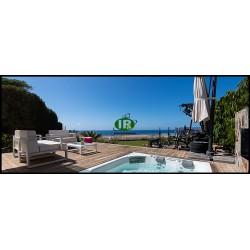 Villa en excelente ubicación con vistas al mar en venta en San Agustín