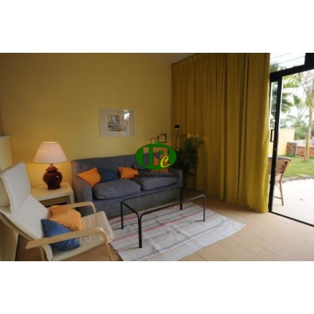 1 bedroom apartment in a quiet complex with community pool