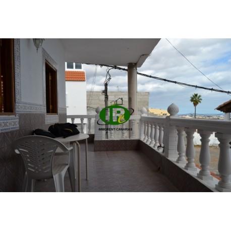 Квартира с 2 спальнями и балконом с видом на море, на 1 этаже - 10