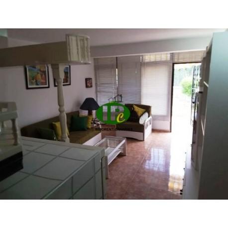 Apartamento con una superficie habitable de unos 60 metros cuadrados en la dirección sur y 1 dormitorio - 4