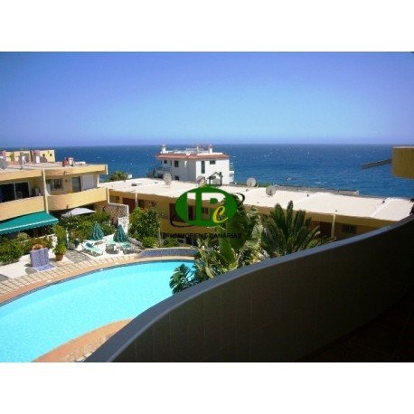 Nice apartment in the 1st row sea, sea view, with 2 bedrooms