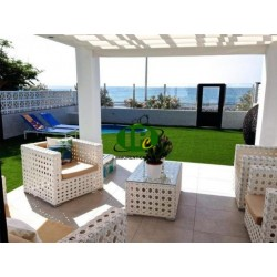 Large apartment with 3 bedrooms and 1 bathroom. On 120 sqm living space in 1st line to the sea - 1