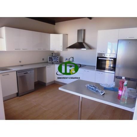 Apartamento ático sobre los techos de Tablero, con 2 dormitorios y 1 baño, cocina grande - 1