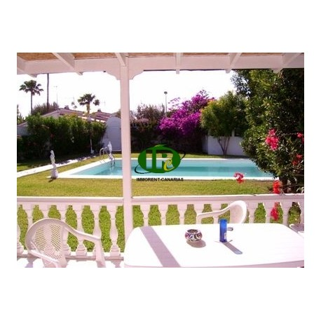Bungalow in the heart of Playa del Ingles beautiful private complex, with tropical garden and pool - 4