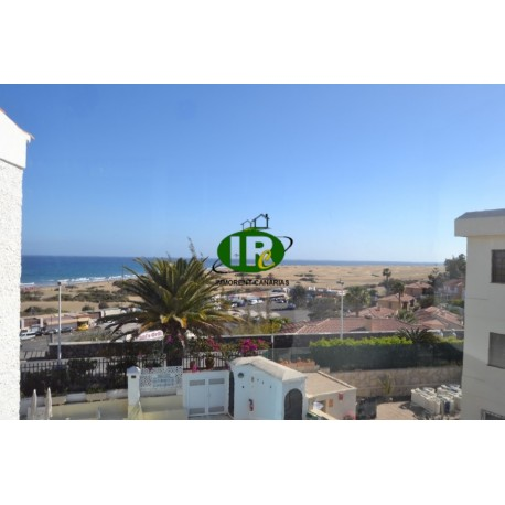 Dit 1 slaapkamer Vakantie Appartement is gelegen aan de boulevard van Playa del Ingles