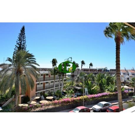 Vakantieappartement met 2 slaapkamers en groot balkon met gedeeltelijk uitzicht op zee - 10