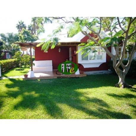 Bungalow de un dormitorio con terraza grande y hermosa con jardín - 1