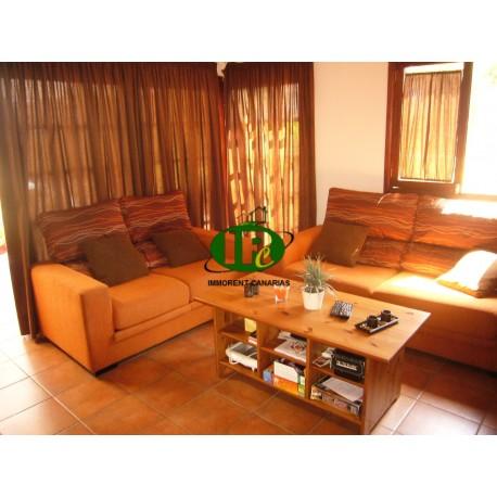 Bungalow met 2 slaapkamers, bestaande uit 1 grote slaapkamer en een kinderkamer - 9