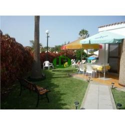 Бунгало для отдыха с 1 спальней, открытой террасой с садовой частью в Маспаломас - 1