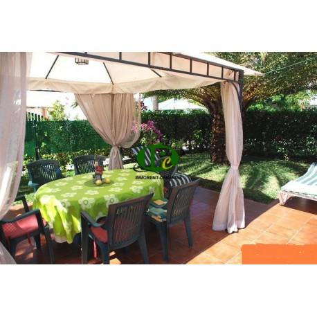 Urlaubsbungalow mit 2 Schlafzimmern, Bad, Küche und Wohnzimmer voll möblierte gefliesteTerrasse mit Blick ins Grüne - 1