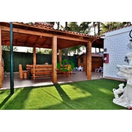 Bungalow met 1,5 slaapkamer en een heel mooi groot terras - 4