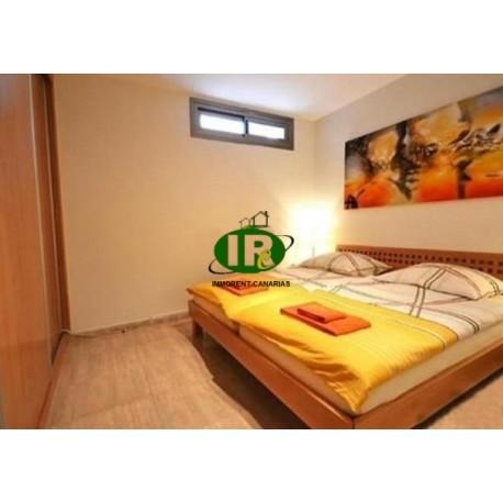 Exclusives Haus mit 5 Schlafzimmern, 4 Bädern mit sehr schönen Möbeln ausgestattet