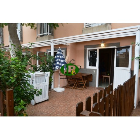 Vakantiebungalow met 1 slaapkamer en 2 verdiepingen met een omheind betegeld terras - 1