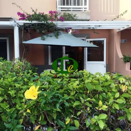 Duplexbungalow met 1 slaapkamer, een open terras met een haag - 2