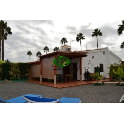 Bungalow with 2 bedrooms on 2 levels with large terrace and garden - 1