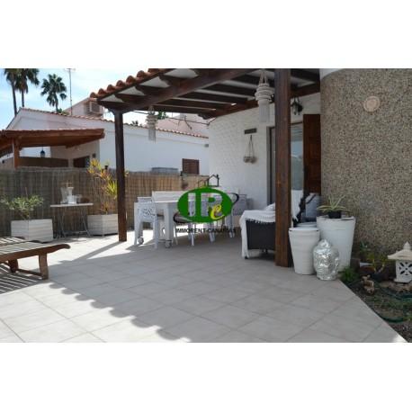 Bungalow, neu renoviert, mit 1 Schlafzimmer und sehr große Terrasse - 1