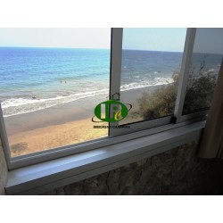 Apartamento de 2 dormitorios en la 2ª planta con vistas directas al mar y ascensor. - 3