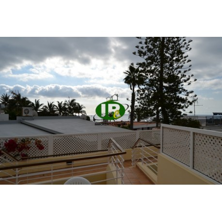 Holiday apartment with 1 bedroom on the top floor with wifi, nice little area with 8 units