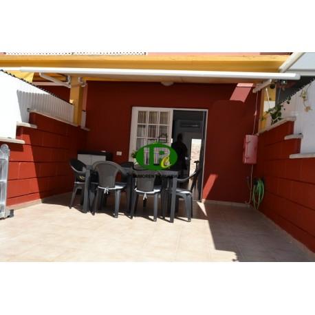 Renovierter Bungalow auf 2 Ebenen mit 1 Schlafzimmer. Große Terrasse, gefliest und geschlossen durch Zaun - 1