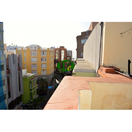 Holiday apartment with 2 bedrooms on 5th floor, just 100 meters from Las Canteras beach