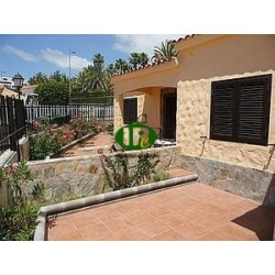 Holiday bungalow with 1 bedroom and 1 bathroom with very large garden and patio - 1