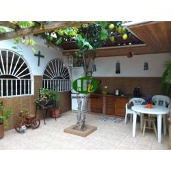 4 спальни дуплекс. Жилая площадь около 130 кв. Терраса с открытой кухней 60 кв.м - 3