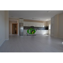 Very nice new apartment in 2nd floor with 160 sqm living space. With 4 bedrooms