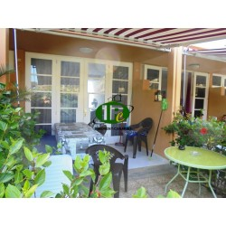 Duplexbungalow met 1 slaapkamer, terras, balkon en kleine achteringang