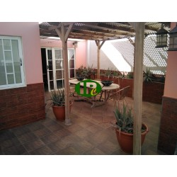 House renovated, modern equipped, in topp location near the beach. On various levels