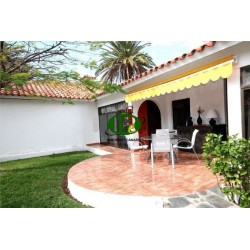 Bungalow with 1 bedroom and further room, on about 90 sqm. in south east direction