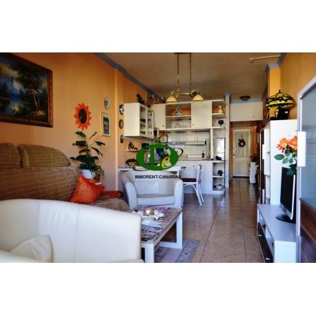 1 комнатная квартира около 63 кв.м. Гостиная зона расположена на 5 этаже, с видом на бассейн - 3