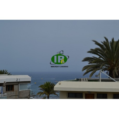 Apartment with 2 bedrooms and large balcony with sea views on the upper floor of a small complex - 16