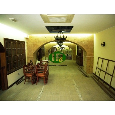 Very nice large restaurant for sale