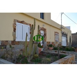 House with a large plot, several terraces and the possibility of expansion - 1