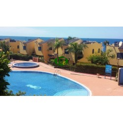 Triplex with 3 bedrooms and 2 terraces with access to the communal pool