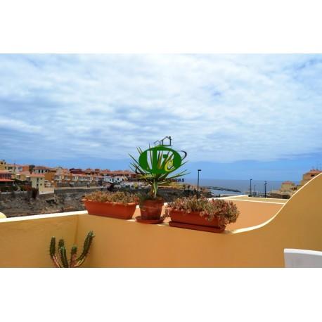 Apartamento en una zona tranquila, bien equipado. Terraza de unos 40 m2 con vistas al mar. - 1